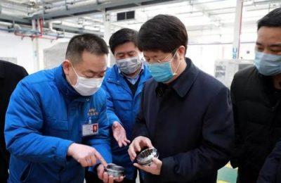 岳华峰督导检查沣东新城疫情防控工作