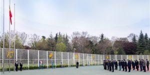 西安财经大学为全国抗击新冠疫情牺牲烈士和逝世同胞举行哀悼活动