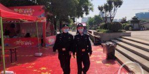 """西安旅游警察加大""""五一""""小长假巡游力度"""