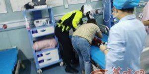 幼童被开水烫伤 长安交警紧急护送就医